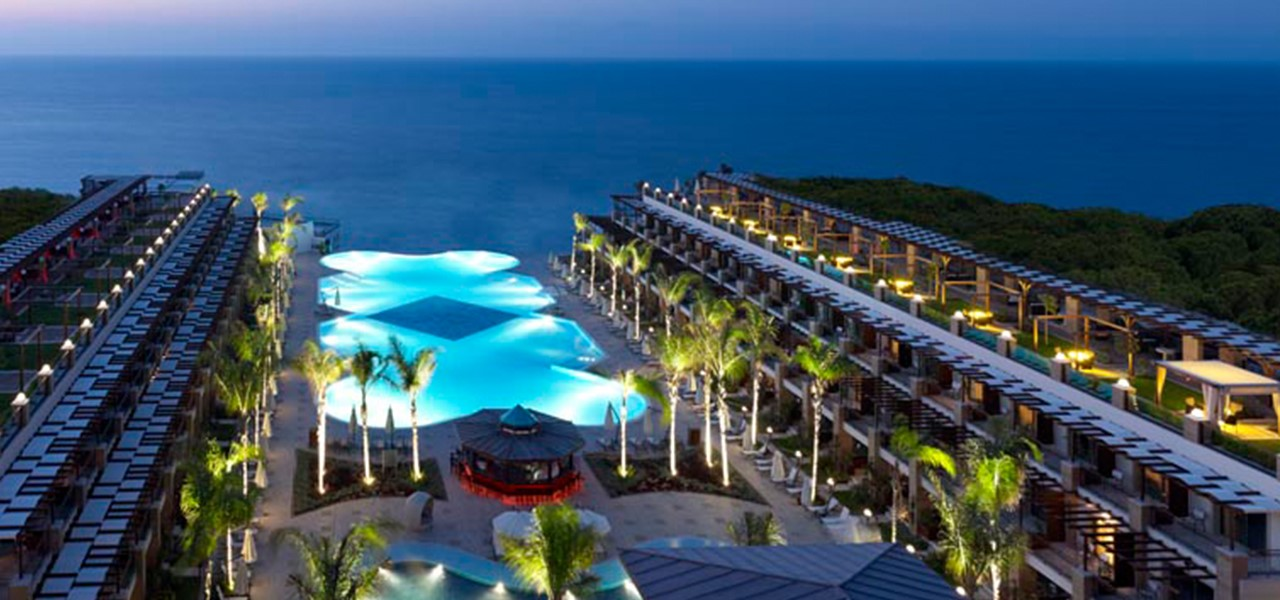 Cratos Premium Hotel & Casino & Port & Spa